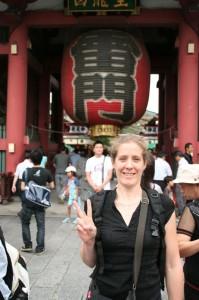 Marie pose à la japonaise