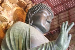 Bouddha sa grande statue en bronze (encore un record!)